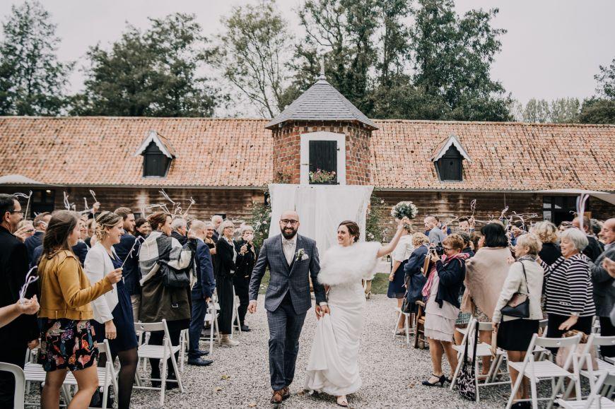 La lovestory de Charlie et Guillaume | Photographe mariage au Manoir des Burets