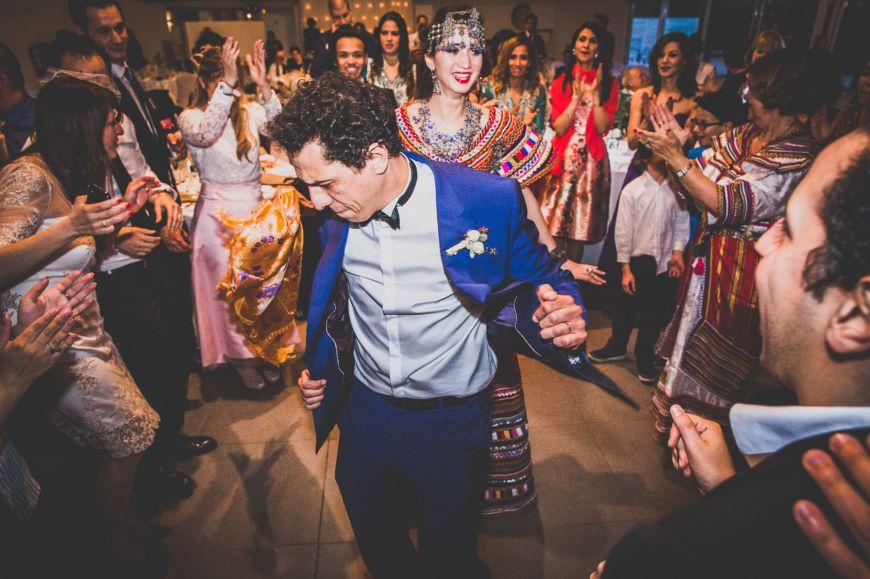 Soirée de mariage traditionnelle oriental ! Photo @Karim Kheyar Trouver votre photographe professionnel sur regardauteur.com   #mariage #wedding #jourj #traditionnel #tradition #musulman #cérémonie #danse #robe #mariée #marié #love #photographie #photography #photographe #regardauteur