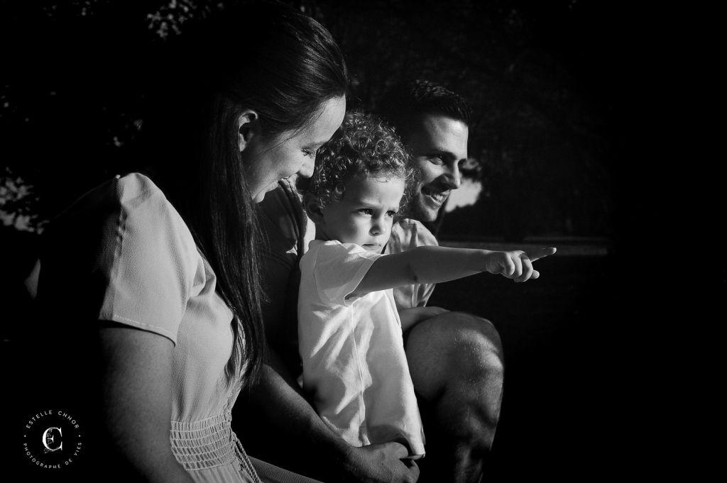 shooting photo famille enfant noir et blanc