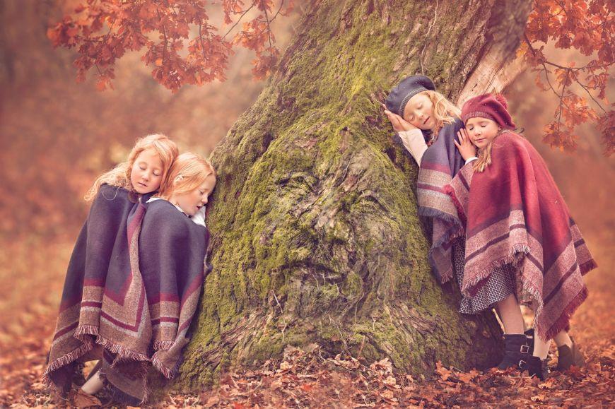shooting photo famille enfants arbre