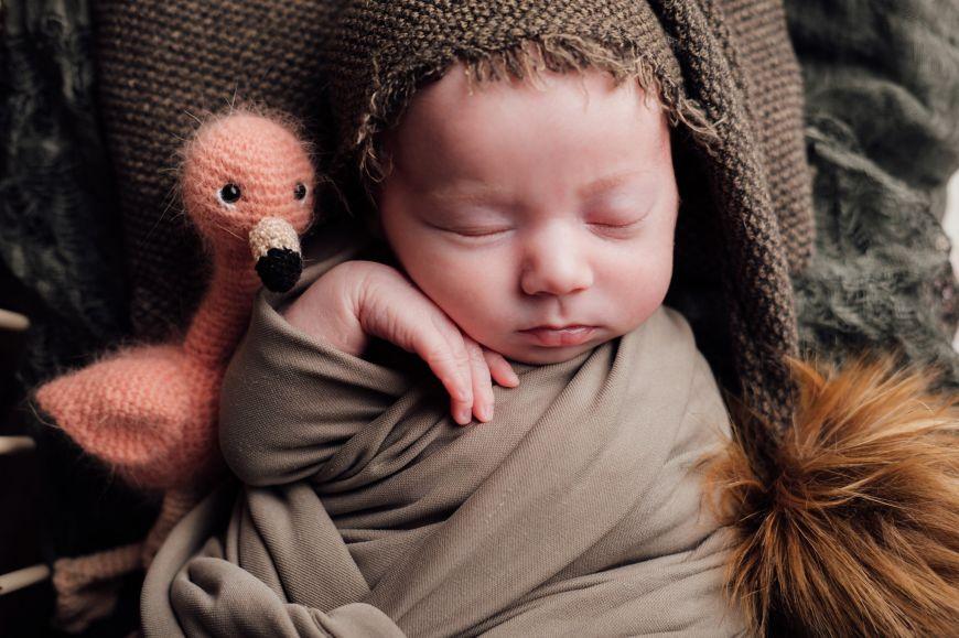 photographe bébé proche marron doudou