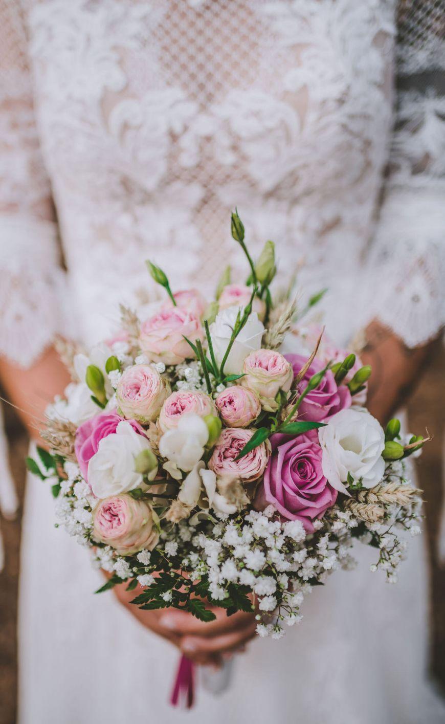 Photographe-mariage-regardauteur-Parent-Anne-Sophie Bouquet de fleurs champetre marie?e